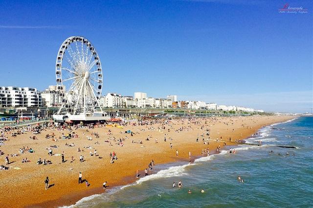 Brighton by Pablo Fernandez